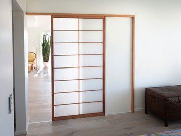 druchgang mit leichter schiebetuere tischler schreiner. Black Bedroom Furniture Sets. Home Design Ideas